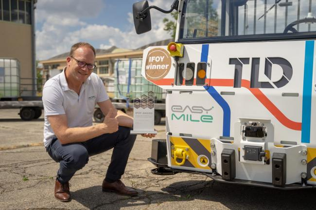 EasyMile's TractEasy awarded Best AGV at IFOY 2020